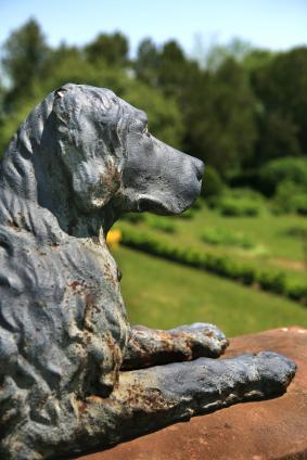 Attrayant Dog Garden Statue