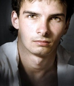 handsome-man-beautiful-eyes-rugged