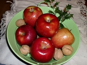 apples_and_holly