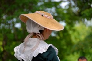 colonial-woman2